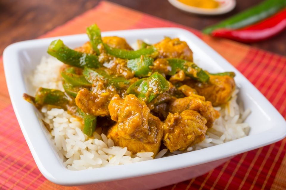 Pollo al curry in 3 ricette light e gustose